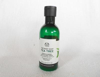 Review: THE BODY SHOP TEA TREE SKIN CLEARING MATTIFYING TONER