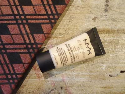 REVIEW NYX STAY MATTE BUT NOT FLAT LIQUID FOUNDATION