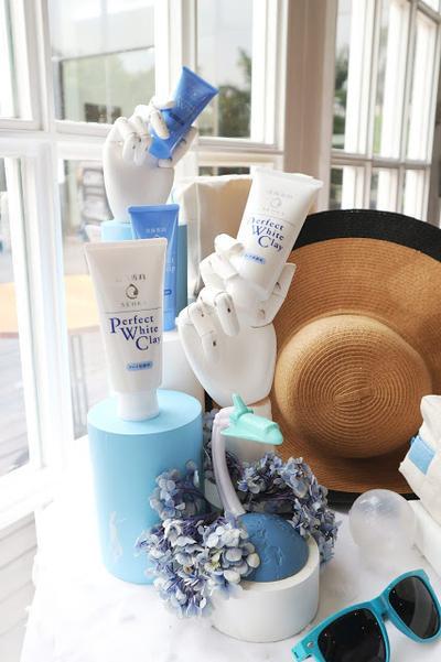 Senka Perfect White Clay Facial Foam [Event Report + Review]
