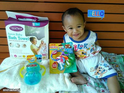 Review ClevaMama Apron Baby Bath Towel, Nuby Soothing Teether dan Grip N' Sip