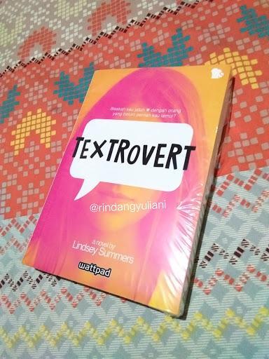 Review Textrovert (Blogtour dan Giveaway)