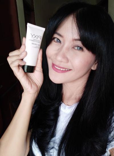 Review 4 Beauty Benefits Base Make Up Series dari PIXY