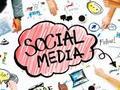 Sosial Media dan Segala Gemerlapnya