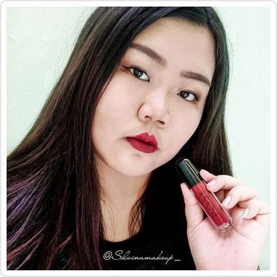 [21/09/2019] . Kalau aku sudah suka sama 1 lipstick ,pasti setiap hari selalu pakai lipstick itu. . Sama seperti aku tuh jatuh cinta sama lip cream matte nya @posybeauty.id yang ringan dan lembut ,apalagi lip cream ini mengandung vitamin E. . Review lengkap nya sudah ada di blog aku ya❤️❤️❤️ [Link On Bio] . Thanks @beautycollab.id @posybeauty.id #BeautyCollabID #BCollabID #beautycollabidxposybeauty #lipcreammatte #posybeauty #selvinareview