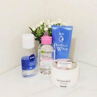 Cleansing Routine for Acne Prone Skin