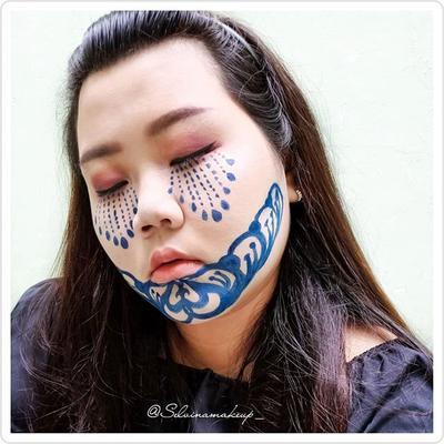 [15/10/2018] . Ntah kenapa suka banget buat look yang ada batik- batik nya.. . @medanbeautygram #medanbeautygram @beautygoers #BEAUTYGOERSID #beautygoersmedan @beautyranger.id #BeautyRanger @indobeautysquad #indobeautysquad #selvinamakeup_