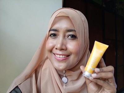 Wardah DD Cream C Defense With Vitamin C Review