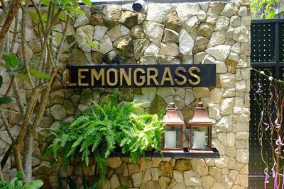(Review) LEMONGRASS resto hits Di Bogor yang Instagramable