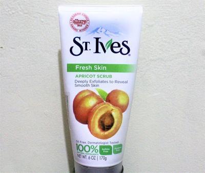Skincare Review: St. Ives Fresh Skin Apricot Scrub, Sebagus Itukah?
