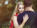 Ciri-ciri Pria Yang Sedang Berselingkuh