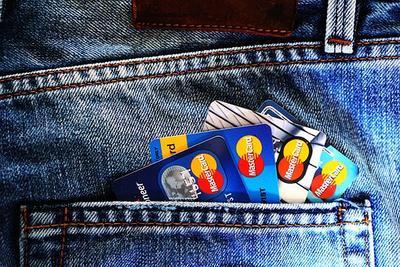 Mau melakukan pengajuan kartu kredit pertama...? Cek dulu rambu-rambu ini ya...