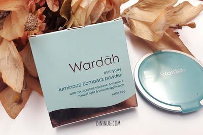 Review Wardah Everyday Luminous Compact Powder