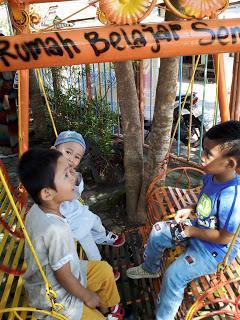 Usia berapa sih anak boleh dikenalin bahasa asing?
