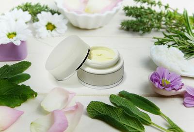 Rekomendasi Skincare Selama Hamil & Menyusui, Terbukti Aman!!!
