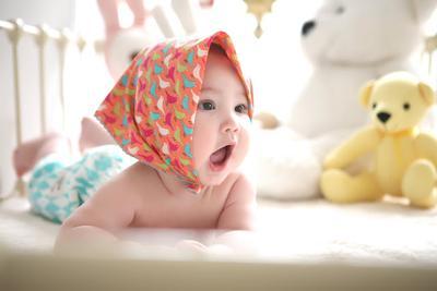 Kesulitan Membuat Bayi Bersendawa? Pakai Cara Gampang Ini Saja!