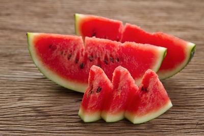 Manfaat Semangka Untuk Kecantikan Wajah