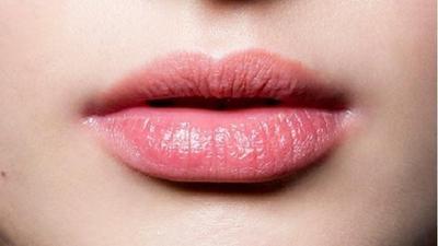 Cara Mengatasi Bibir Kering dan Pecah