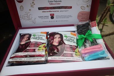 REVIEW: Pewarna Rambut Garnier Color Naturals Ultra Color Midnight Blue di Rambut Gelap, panjang, dan super tebal