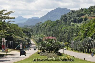 Jalan-jalan di Sentul City