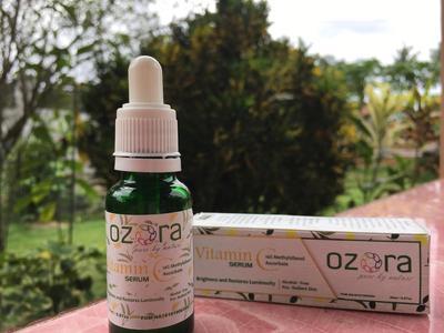 Review Ozora Vitamin C Serum