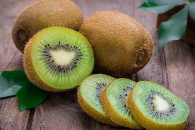 Manfaat Buah Kiwi Sangat Bagus Untuk Kecantikan